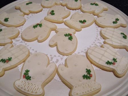 christmas-mitten-cookies